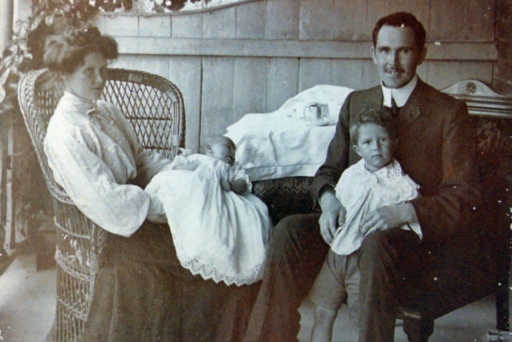 Emily and Thomas Houston with Errol and Don, 1907.
