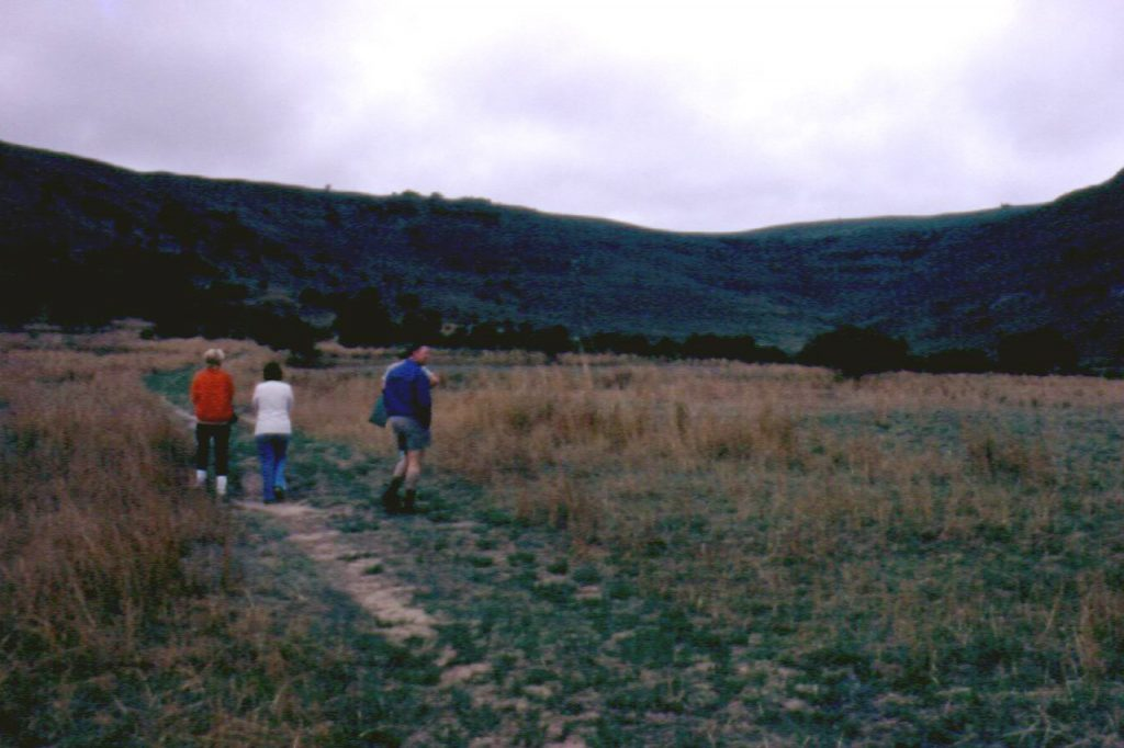 Heather, Tania, Darrell and SB approach from south, Hlobane, 1973
