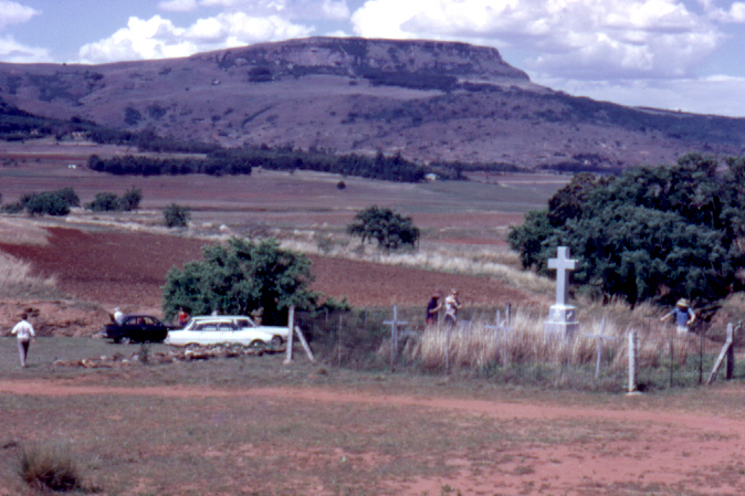 The SAMHS visits the Ntombe Drift Cemetery, 1973